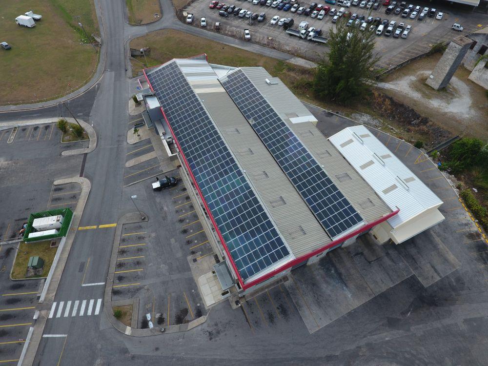 panneaux-photovoltaique-usine-energie